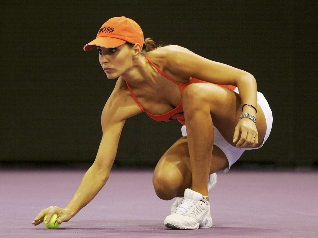 T365 Recall When The Madrid Masters Used Models As Ball Girls Tennis365 Com