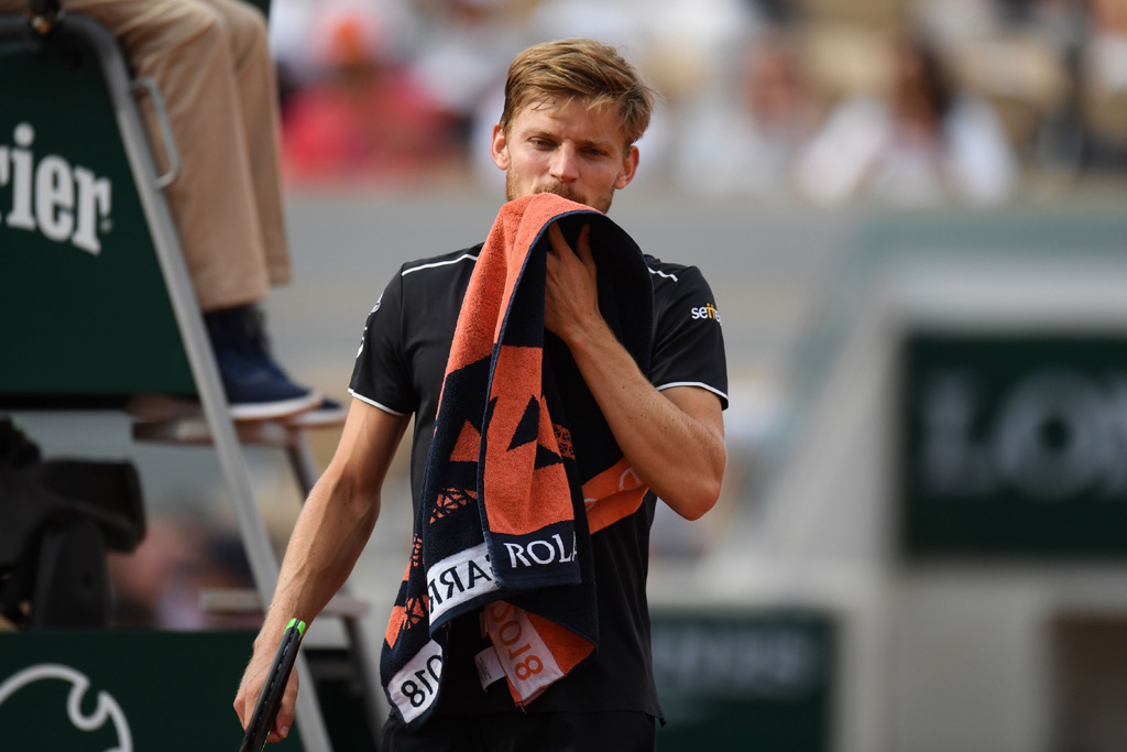 David Goffin with a towel