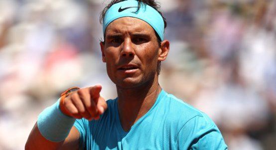 Rafael-Nadal-pointing
