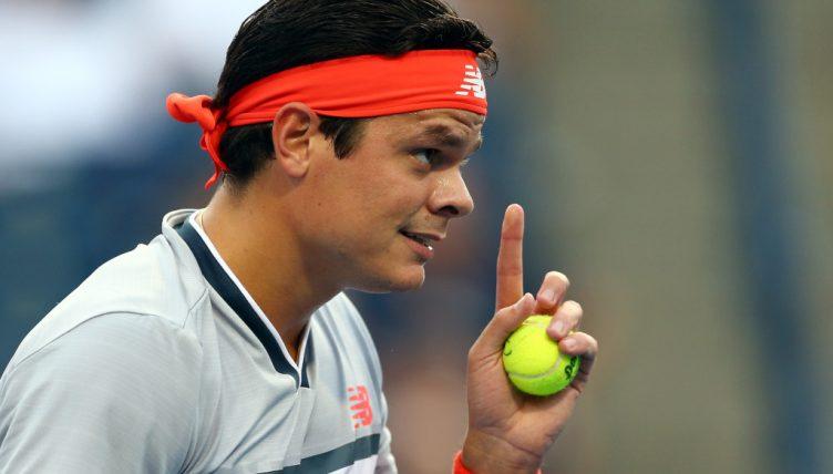 Milos Raonic pointing