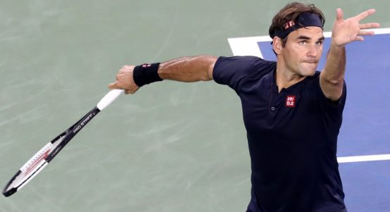 Roger Federer serving