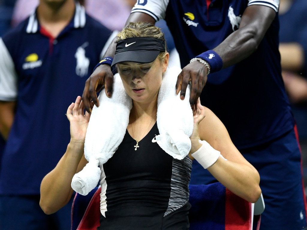 Maria Sharapova ice towel