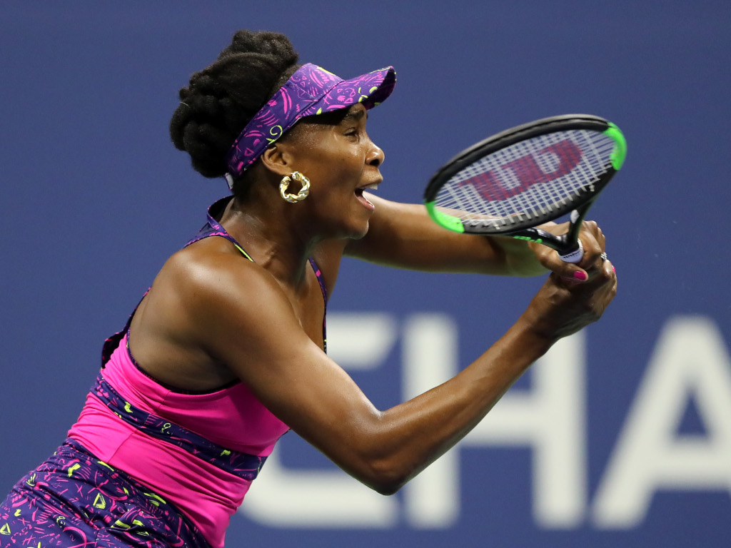 Venus Williams return