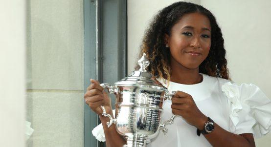 Naomi Osaka with US Open trophy