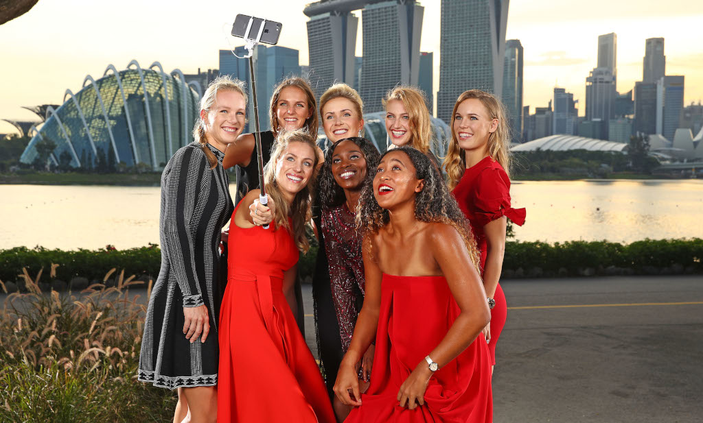 Kiki Bertens Sloane Stephens NaomiOsaka Angelique Kerber Caroline Wozniacki Petra Kvitova Elina Svitolina Karolina Pliskova WTA Finals selfie
