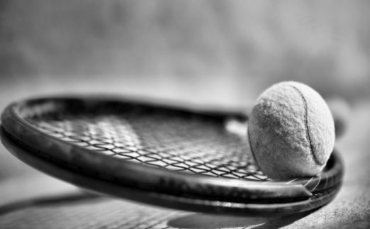 Tennis-racket-with-balls-wallart-on-canvas