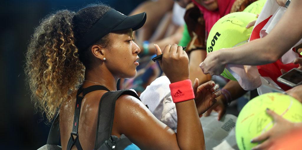 Naomi Osaka with fans