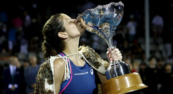 Julia Goerges with ASB Classic trophy after beating Bianca Andreescu