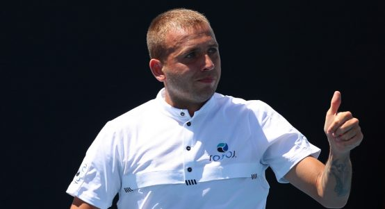 Dan Evans thumbs up