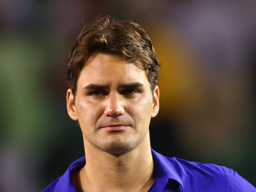 Roger Federer crying after 2009 Australian Open final