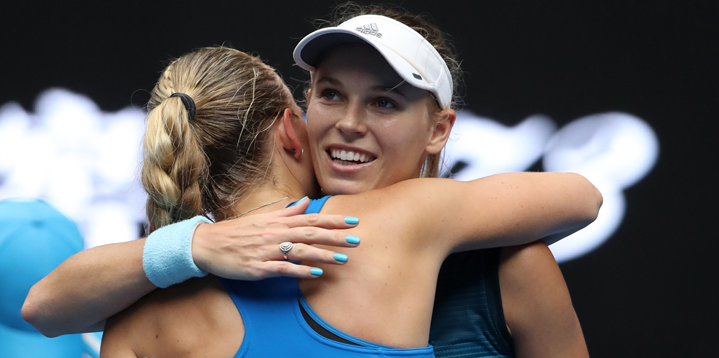 Caroline Wozniacki advances at Australian Open