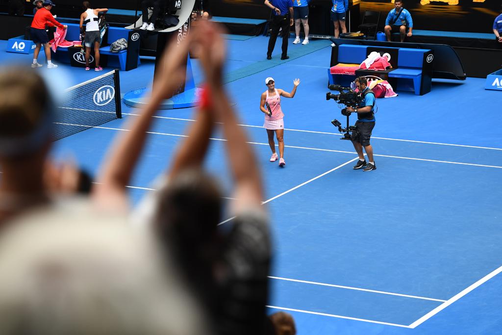 Ashleigh Barty ovation at Australian Open