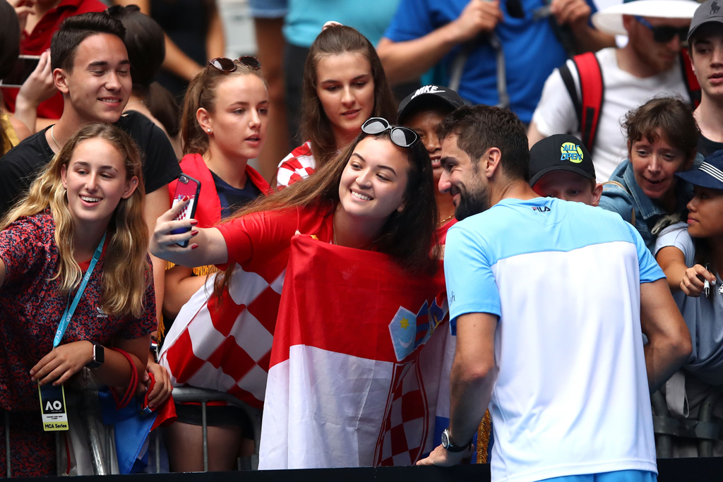 Marin Cilic with fans