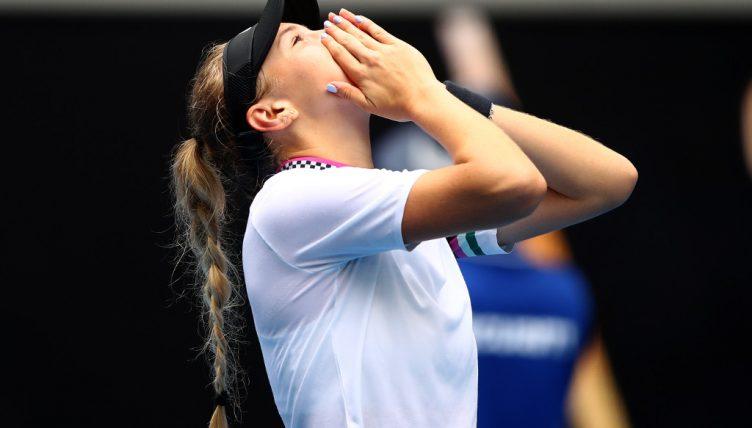 Amanda Anisimova sees off Aryna Sabalenka to make tennis history