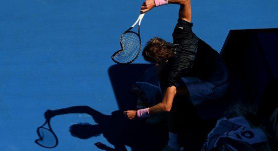 Alexander Zverev smashing racket