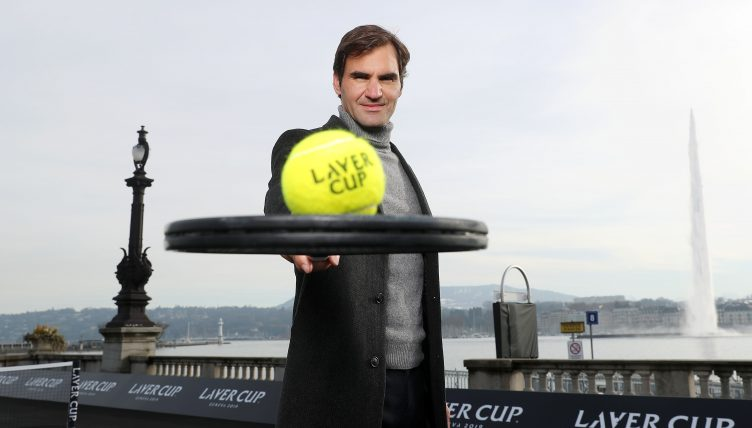 Roger Federer poses