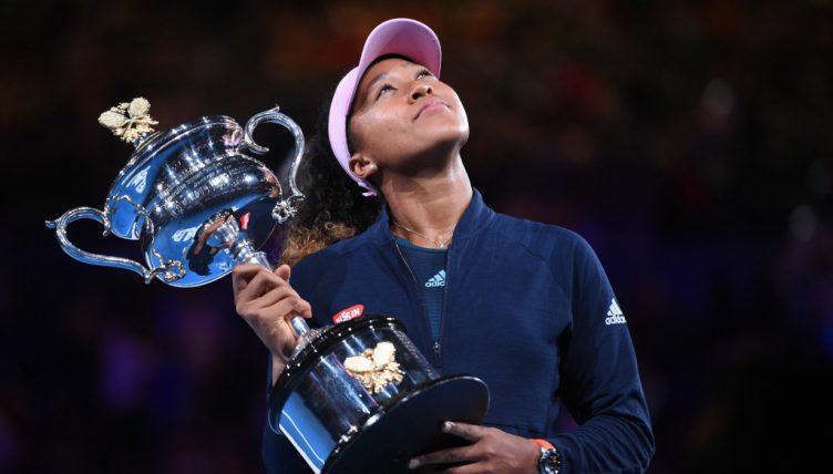 Naomi Osaka with Australian Open trophy