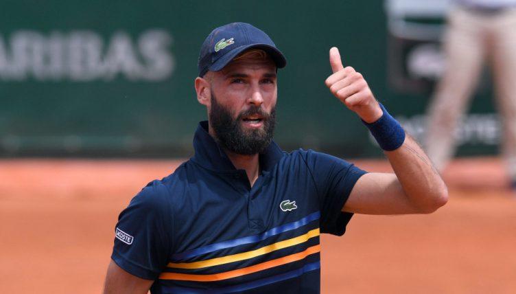 Benoit Paire thumbs up