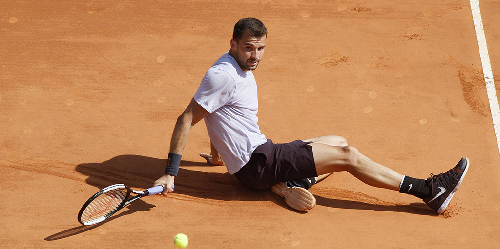 Grigor Dimitrov wins point against Rafael Nadal on floor PA
