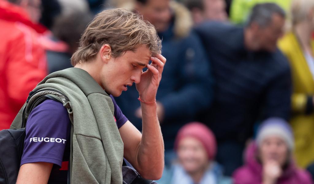 A despondent Alexander Zverev