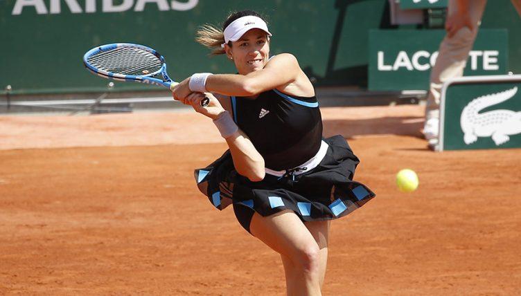 Garbine Muguruza backhand at the French Open PA