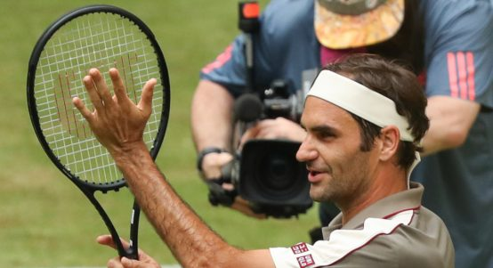 Roger Federer applause