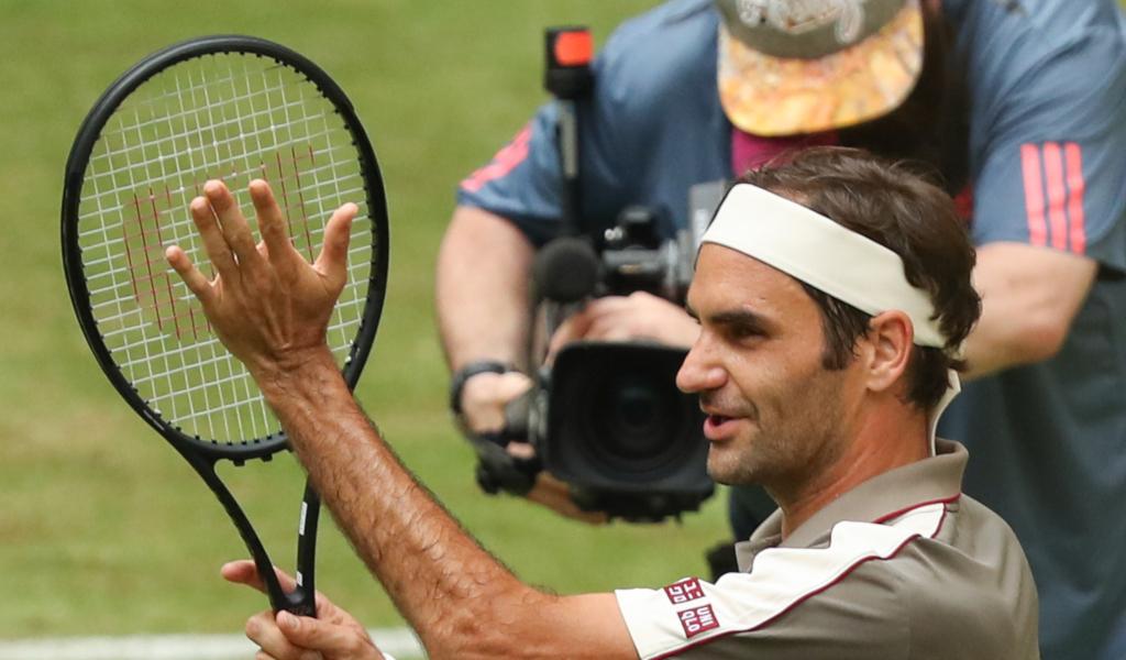 Roger Federer applause