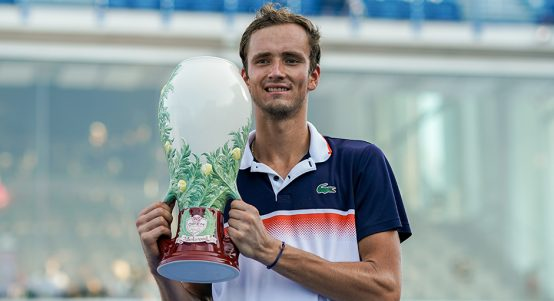 Daniil Medvedev with Cincinnati Masters trophy