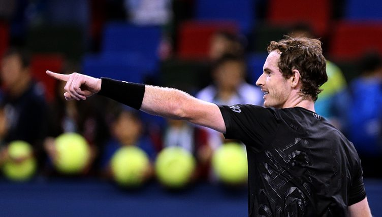 Andy Murray pointing
