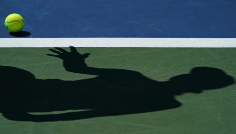 Generic tennis shadow