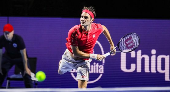 Roger Federer serving in Basel