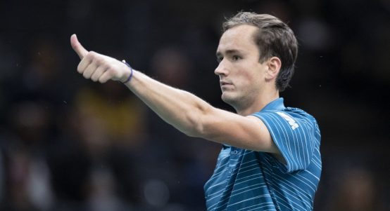Daniil Medvedev thumbs up