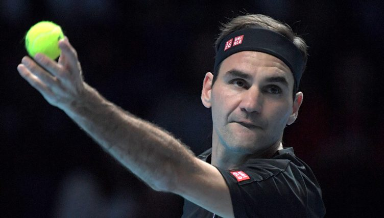 Roger Federer serving at ATP Finals