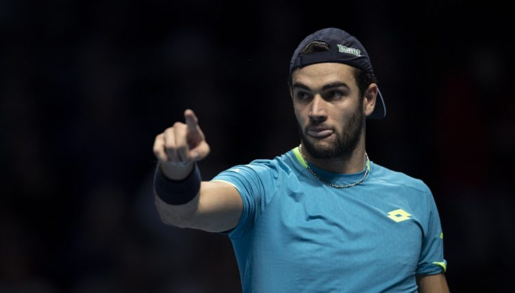 Matteo Berrettini pointing