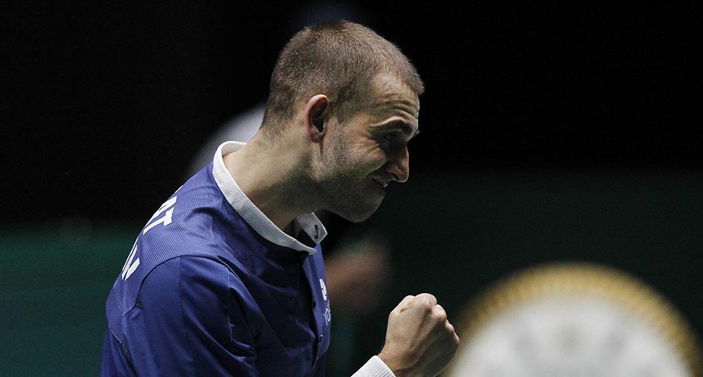 Dan Evans in Davis Cup action