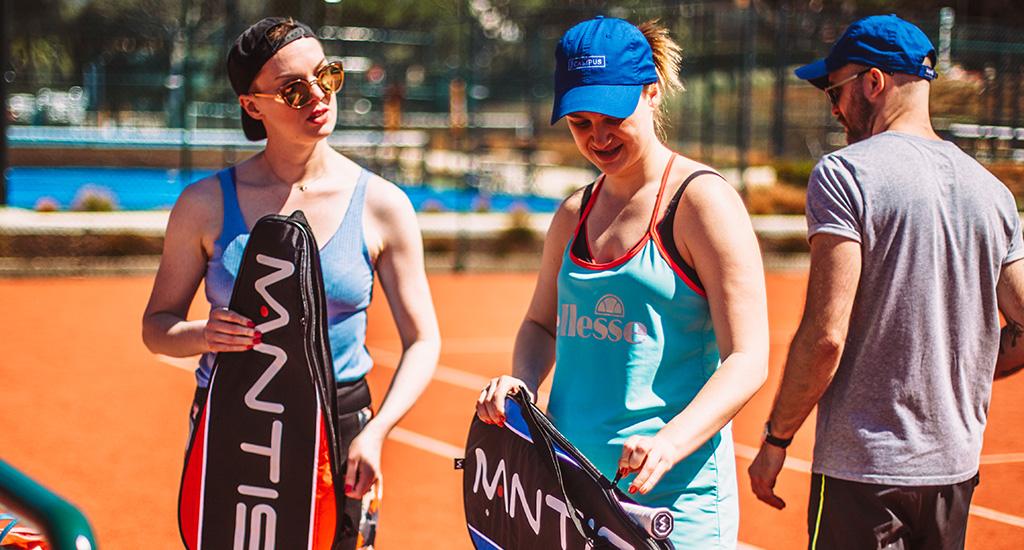 Mantis tennis racket