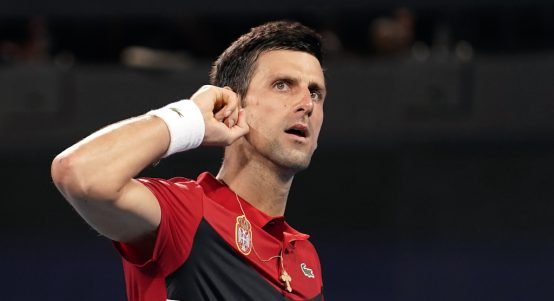 Novak Djokovic玩耍