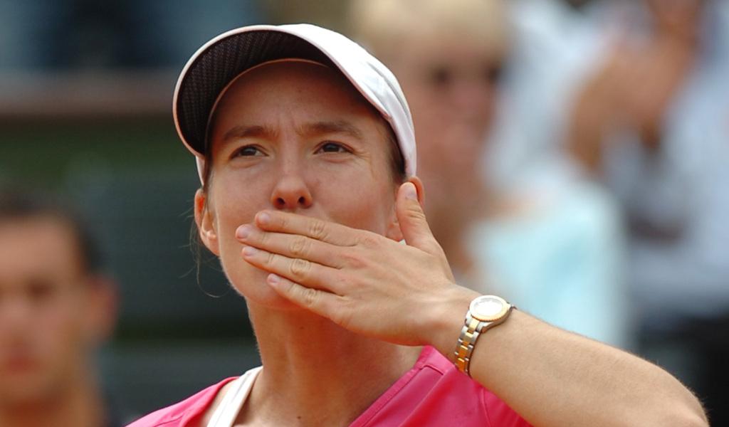Justine Henin blowing kisses