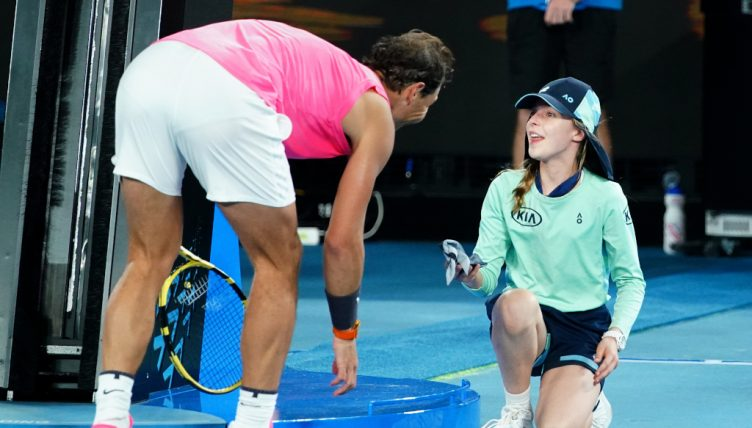 Watch Rafael Nadal Hits Ball Girl Then Gives Her A Kiss To Make It Better Tennis365 Com
