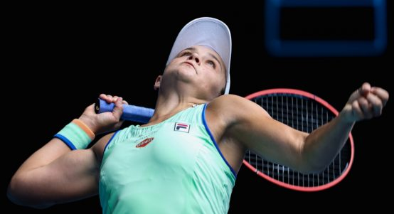 Ashleigh Barty serving