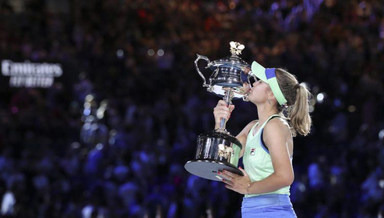 Sofia Kenin Australian Open trophy
