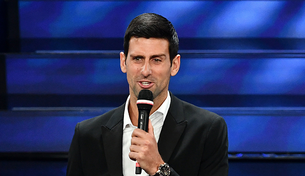 Tennis Today Novak Djokovic Shows Off Singing Skills While Andy Murray Goes Climbing Tennis365 Com