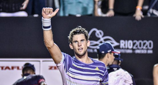 Dominic Thiem giving the thumbs up
