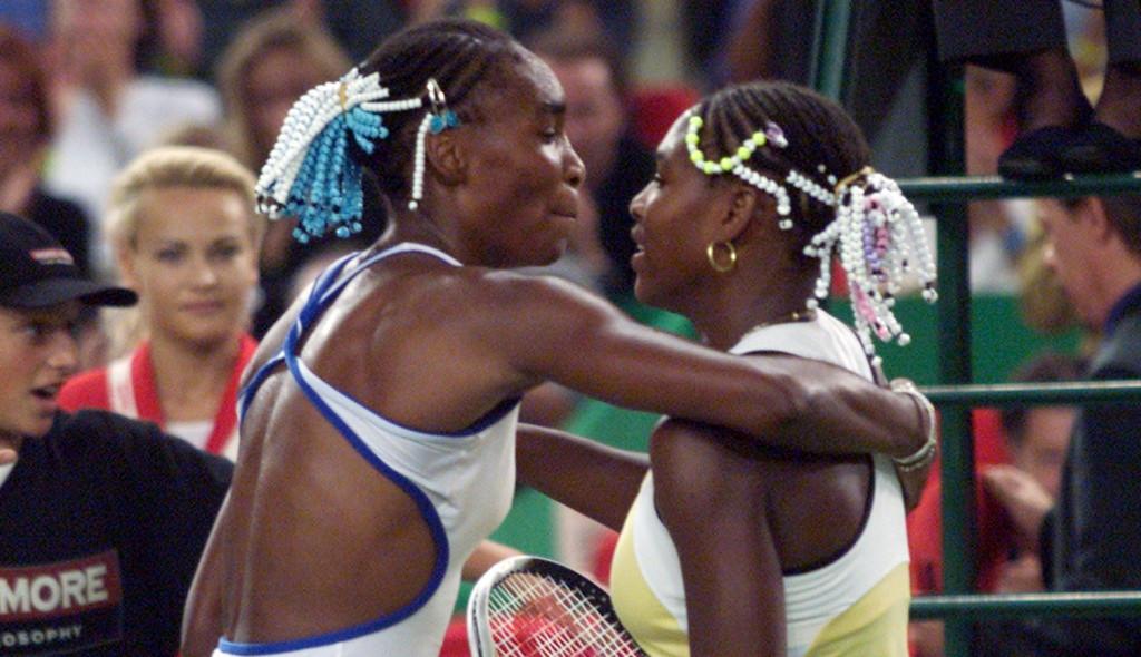 Venus Williams and Serena Williams hugging