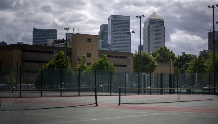 Tennis courts city