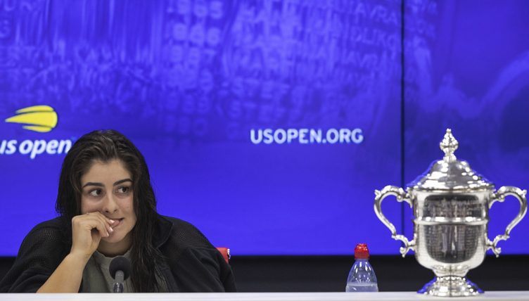 Bianca Andreescu with US Open trophy