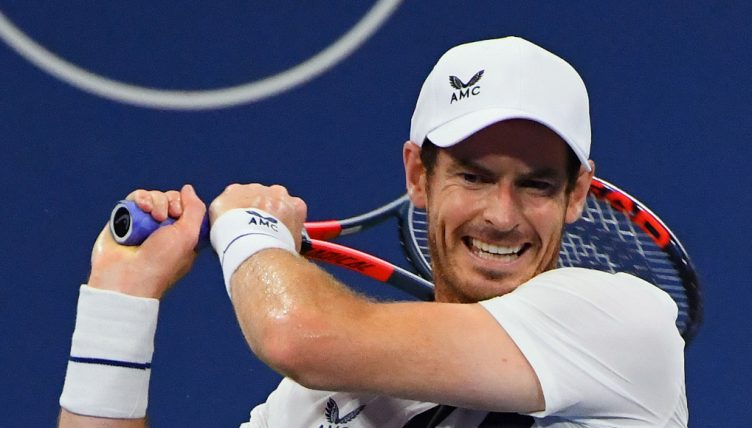 Andy Murray swinging
