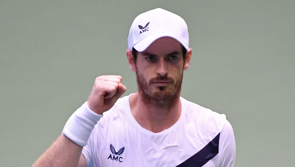 Andy Murray buoyed by VIP spectators at US Open stands, saying it helped to inspire comeback