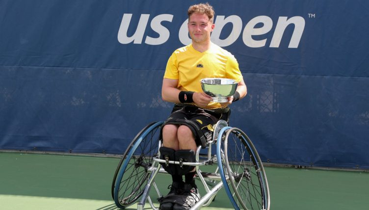 Alfie Hewett with US Open trophy