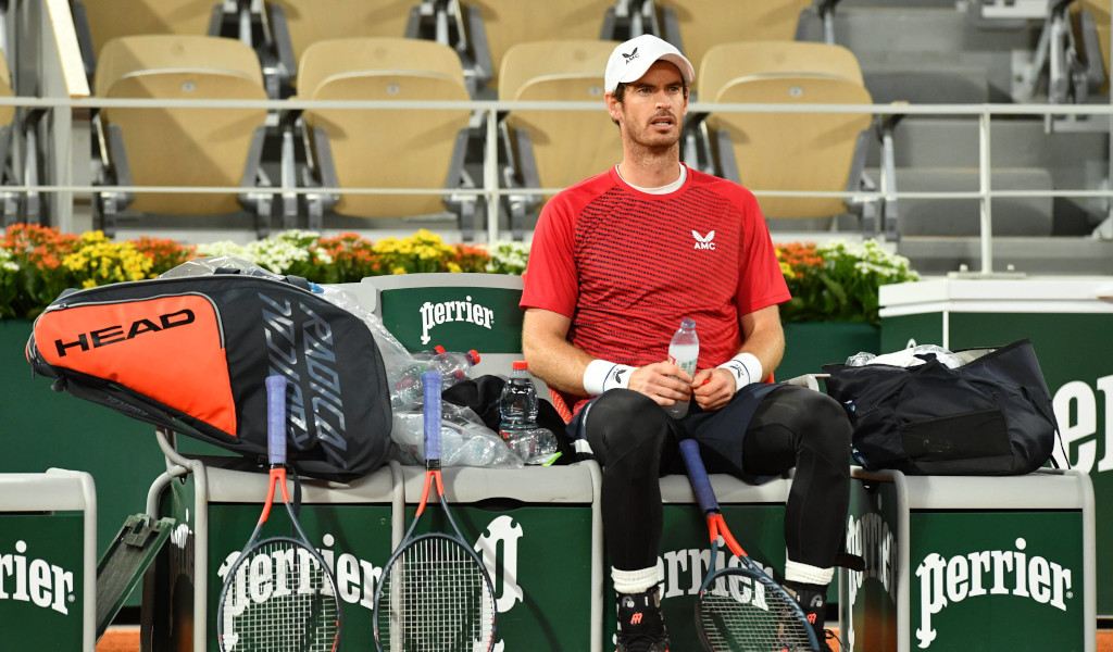 Andy Murray sitting down at changeover